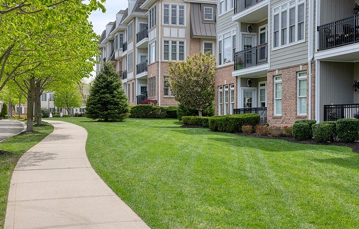 green turf at meadowbrook pointe