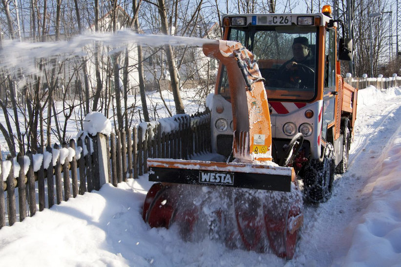 3 De-Icing Secrets Your Snow Removal Company Must Use To Guarantee Safe, Fast And Reliable Ice Removal