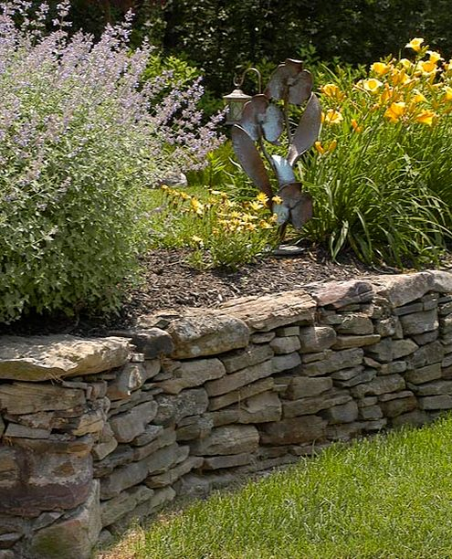 retaining wall with plants
